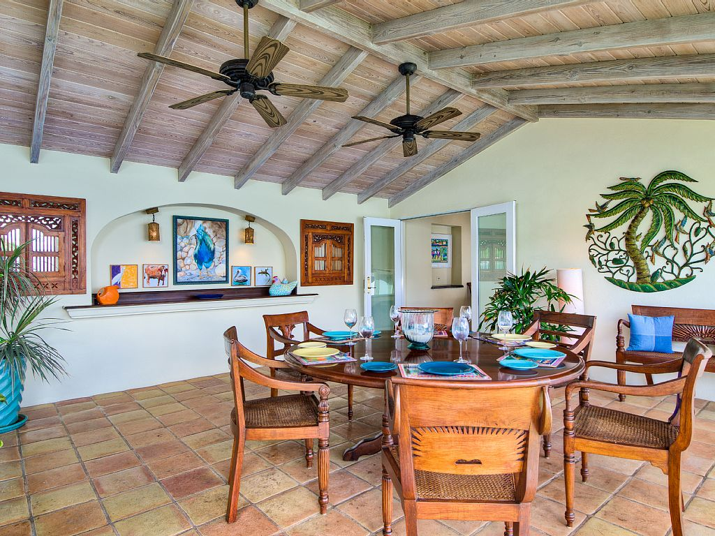 Stylish entrants bvi property and yacht for Creative interior design marco island