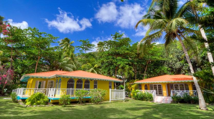Stylish Entrants Bvi Property And Yacht